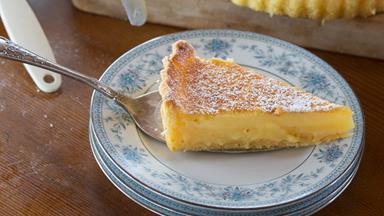 Silky lemon tart