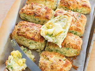Fluffy rocket and feta scones