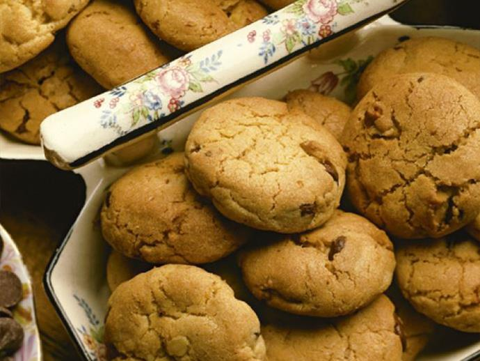"""**[Women's Weekly Vintage Edition: Chocolate chip cookies](https://www.womensweeklyfood.com.au/recipes/womens-weekly-vintage-edition-chocolate-chip-cookies-26548