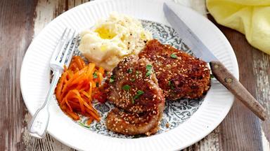 Sesame lamb chops and honey-glazed carrots