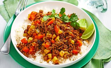 Curried beef mince with rice and banana
