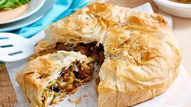 Moroccan bastilla chicken pie