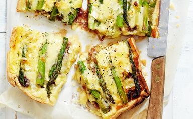 Cheesy asparagus quiche
