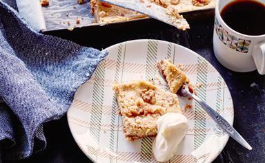 Coffee and walnut cheesecake slice