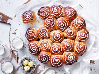 White chocolate and cranberry buns