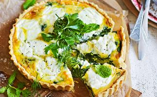 Spinach tart with oat pastry