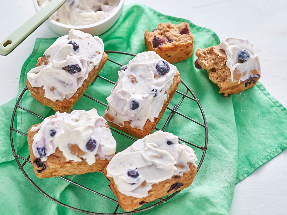 "**[Blueberry banana bread mini loaves](https://www.womensweeklyfood.com.au/recipes/mini-blueberry-and-banana-bread-loaves-1700|target=""_blank"")**   With a thick layer of blueberry ricotta, this is how you you can enjoy a whole loaf without feeling guilty."