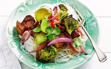 Crispy pork with stir-fried broccoli