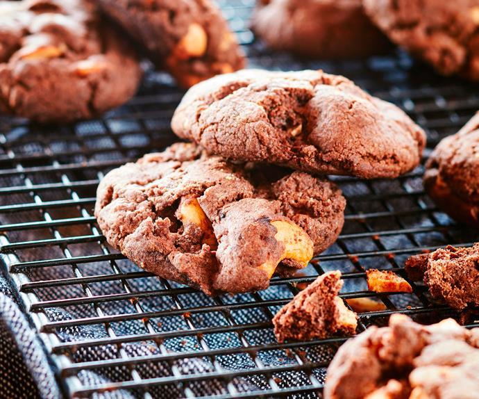 Cashew nut brownies