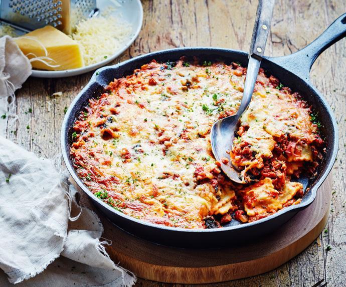 Cheesy sausage spinach and ravioli bake