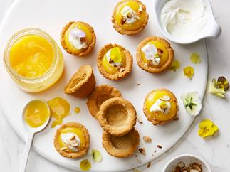 Mini lemon curd cups with almond cookie crust