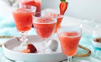 Frosé (frozen rosé wine)