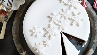 How to make the perfect Christmas cake