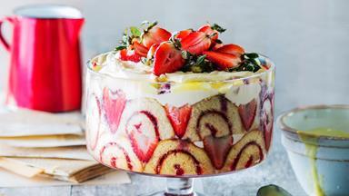 Easy summer strawberry trifle