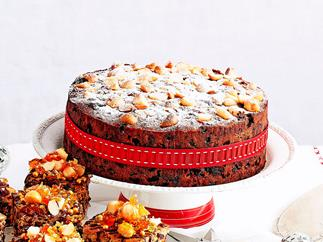 Orange and dark chocolate christmas cake