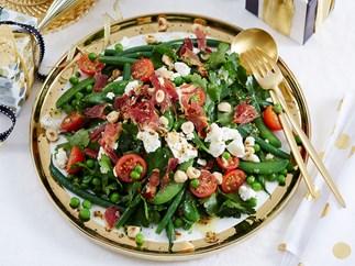 Mixed greens and pancetta salad