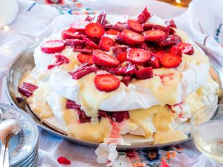 Rhubarb and custard pavlova
