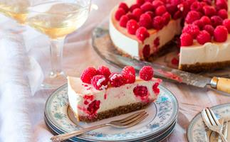 Raw raspberry, vanilla and macadamia cake