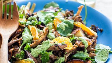 Leftover turkey and orange salad with green dressing