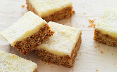 Oaty lemon slice