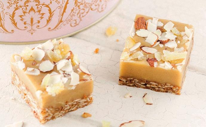 Ginger crunch with oats and almonds