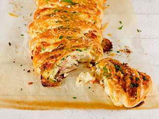 Cheesy ham pull-apart loaf