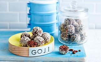 raw chocolate and goji berry bliss balls
