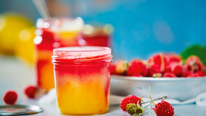 Quick microwave lemon and raspberry curd
