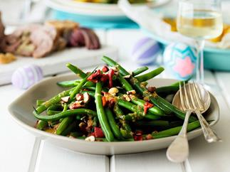 Green beans with orange and hazelnut dressing