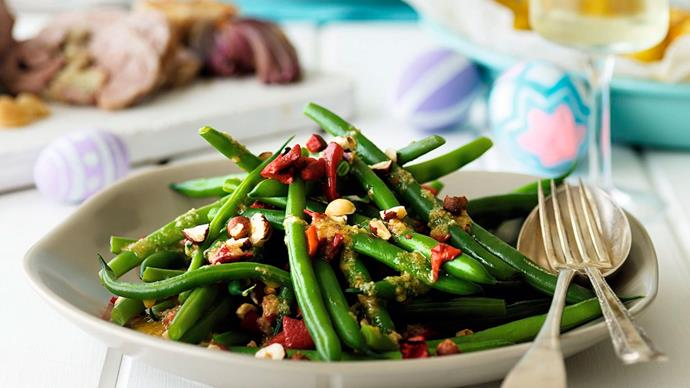 Green beans with orange and hazelnut dressing