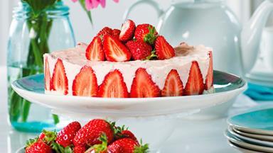 Strawberry mousse cake with mascarpone whipped cream