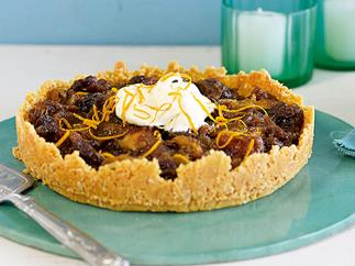 Date and raisin pie