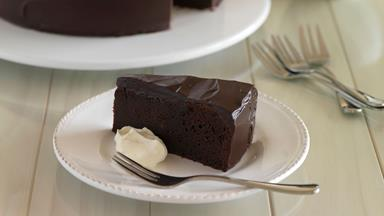 Chocolate mud cake with dark chocolate ganache