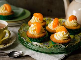 Frosted mandarin cakes