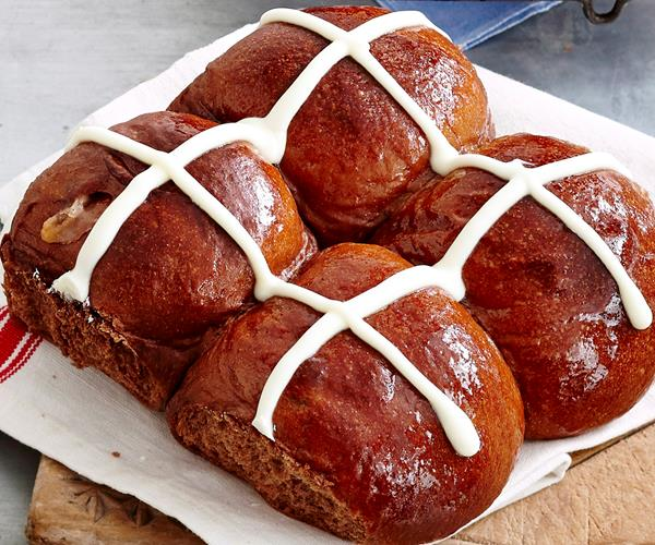 chocolate caramel hot cross buns