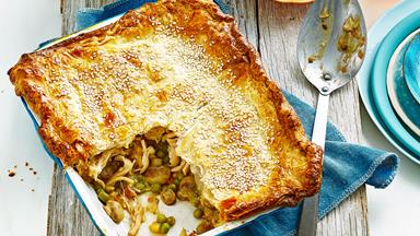 Family chicken pie
