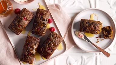 Bran and berry mini loaves with raspberry butter