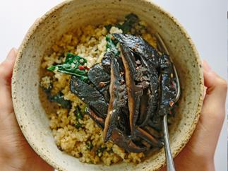 Garlic mushrooms with spinach, quinoa and miso butter