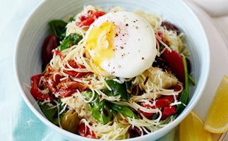 Spaghetti spinach and egg