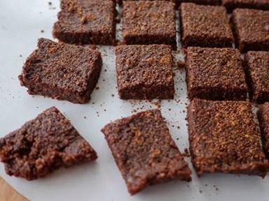 4 ingredient raw chocolate brownies