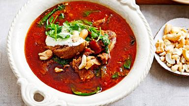 Lamb shank and spinach korma soup