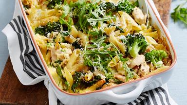 Creamy broccoli, garlic and tuna pasta bake with rocket