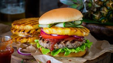 Sweet chilli beef burgers with hoisin ketchup and chilli grilled pineapple