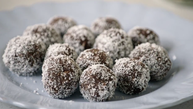 How to make chocolate bliss balls with Natalie Brady