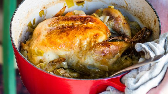 Chicken with wine, leeks and garlic