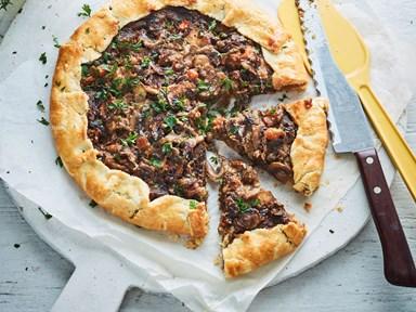 Balsamic mushroom tart with quick pastry