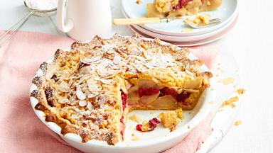 Winter fruit crumble pie with apple, pear and rhubarb