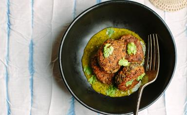Sprouted lentil bites with coriander lime sauce