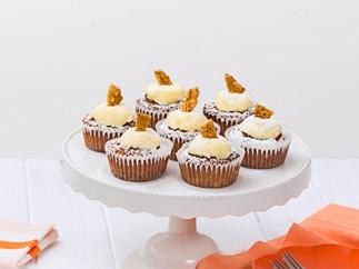 Hokey pokey creamy cupcakes