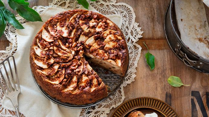 Baba Zorka's apple cake